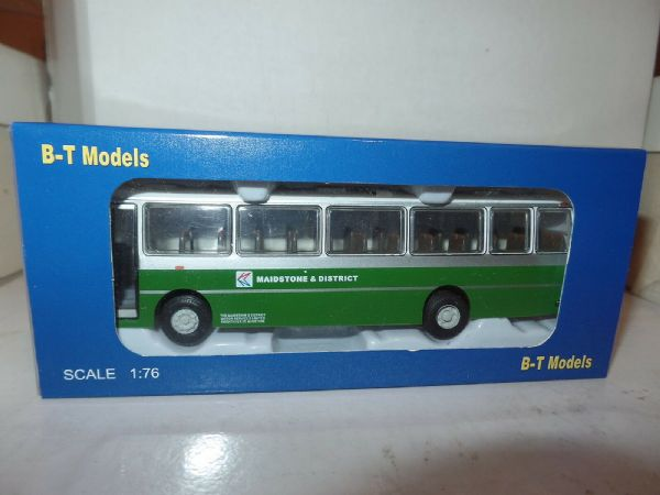 B T Models B007 1/76 Duple Dominant Leyland Leopard  Coach Maidstone District